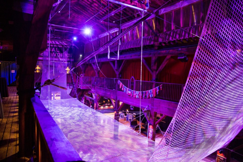Flying Trapeze Attraction in Seattle Washington - Emerald City Trapeze Arts